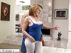 Topless wow tube - big boobs porn